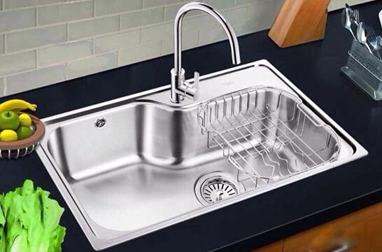 厨房安装单水槽还是双水槽 来对比一下看看!