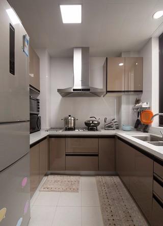 现代简约风格两居厨房装修效果图