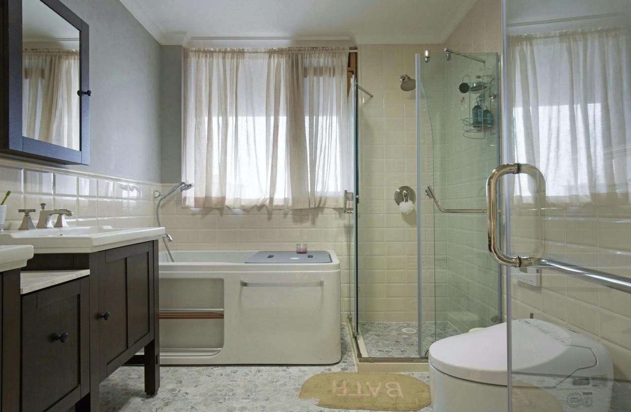 美式风格别墅卫生间装修效果图