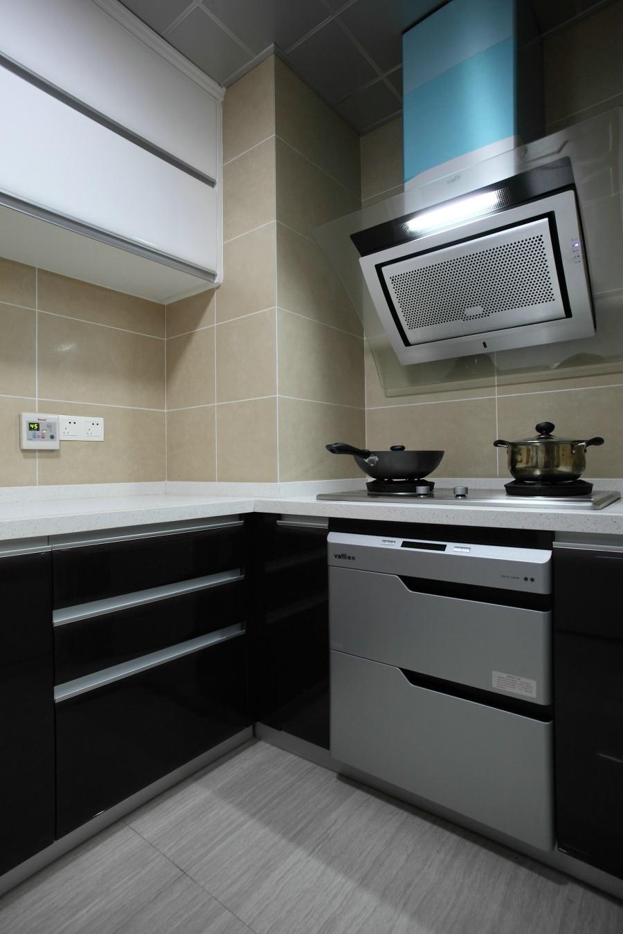 现代简约二居室厨房装修效果图