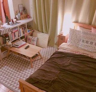 现代简约卧室实景图