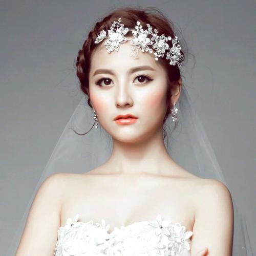 头饰新娘有哪些造型 新娘结婚头饰应如何选择