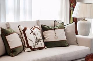 新中式风格别墅装修沙发抱枕特写