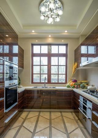 中西混搭别墅厨房装修效果图
