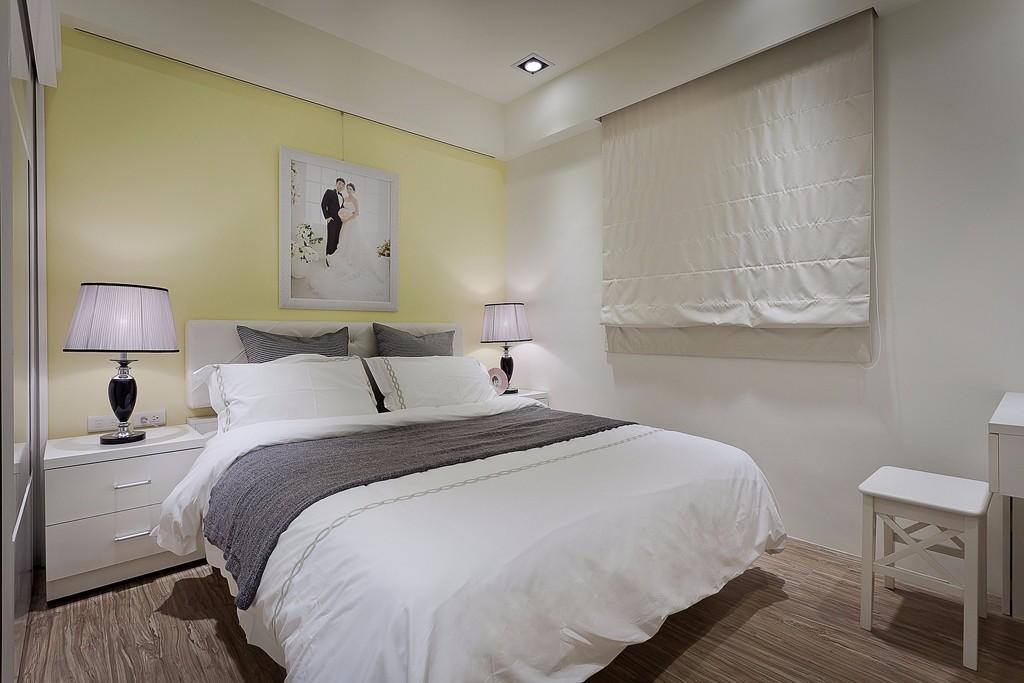 小户型简约二居卧室装修设计图