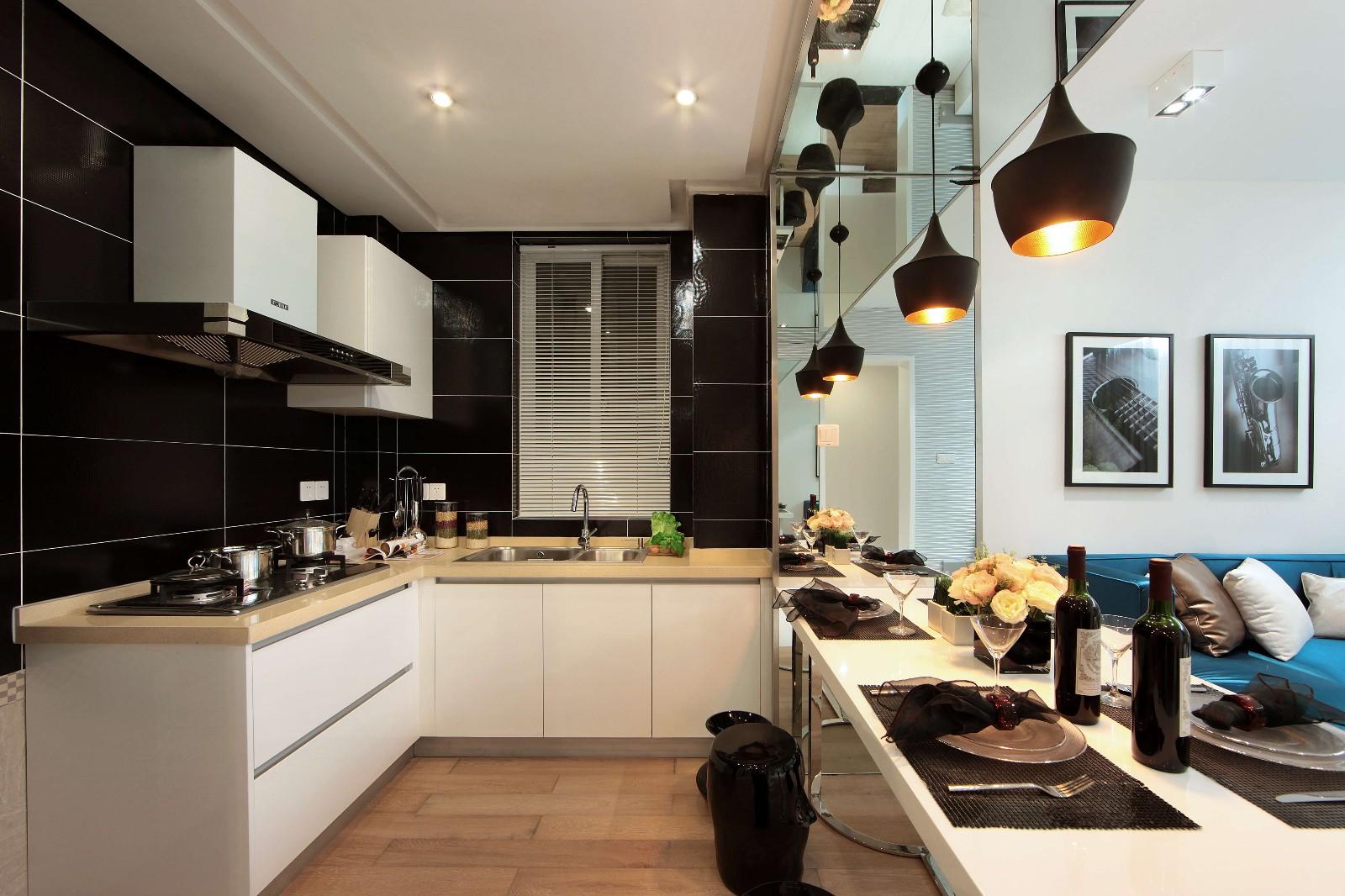 现代简约二居厨房装修效果图
