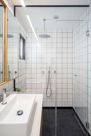 53平小户型装修卫浴间效果图