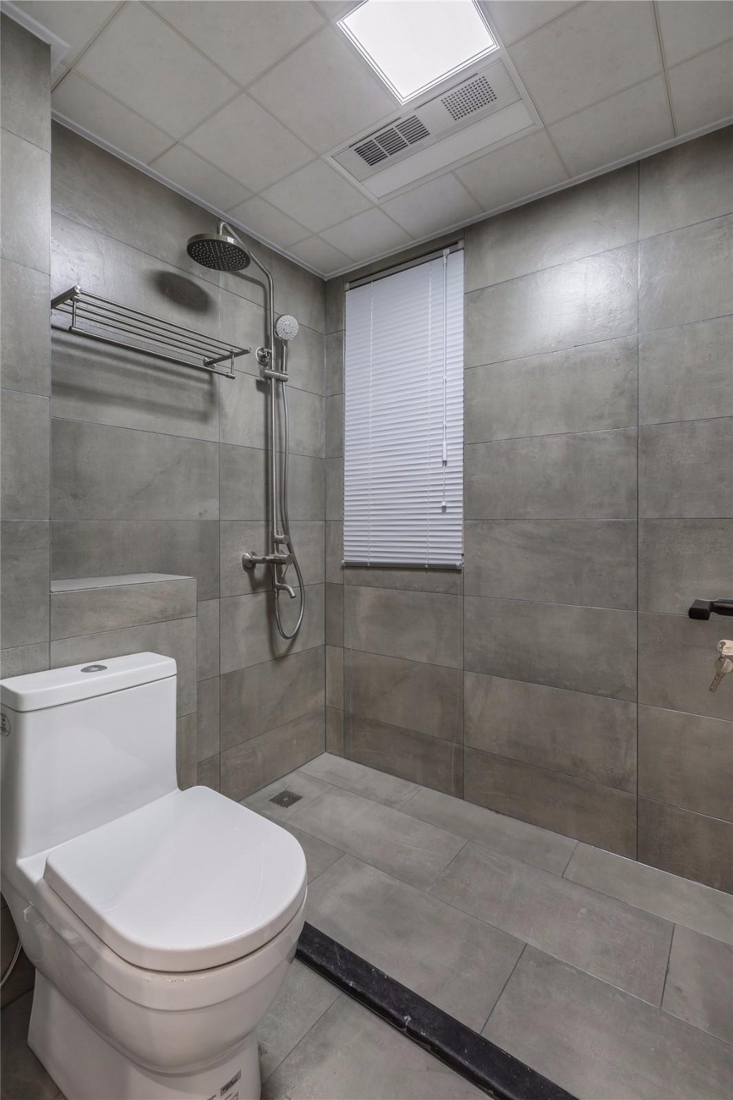 简约现代风格灰色卫生间装修效果图