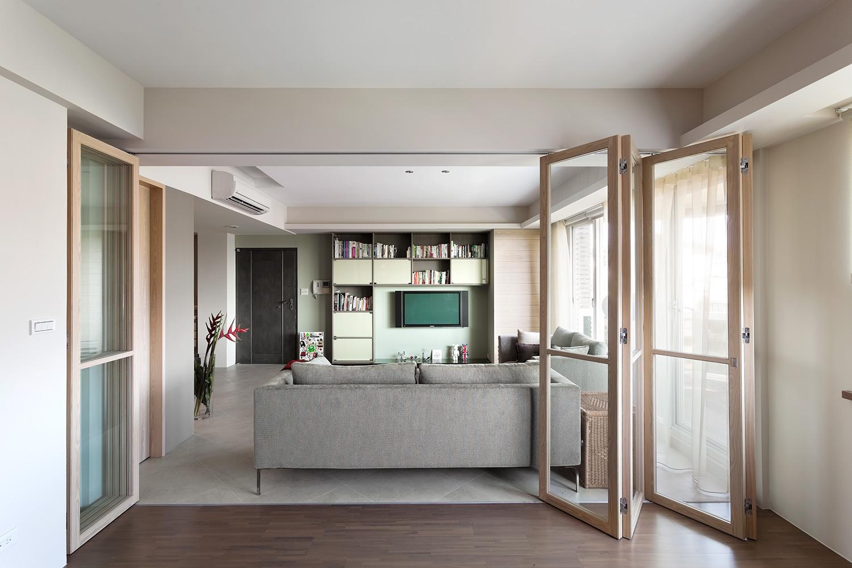 简约现代风三居折叠门装修设计