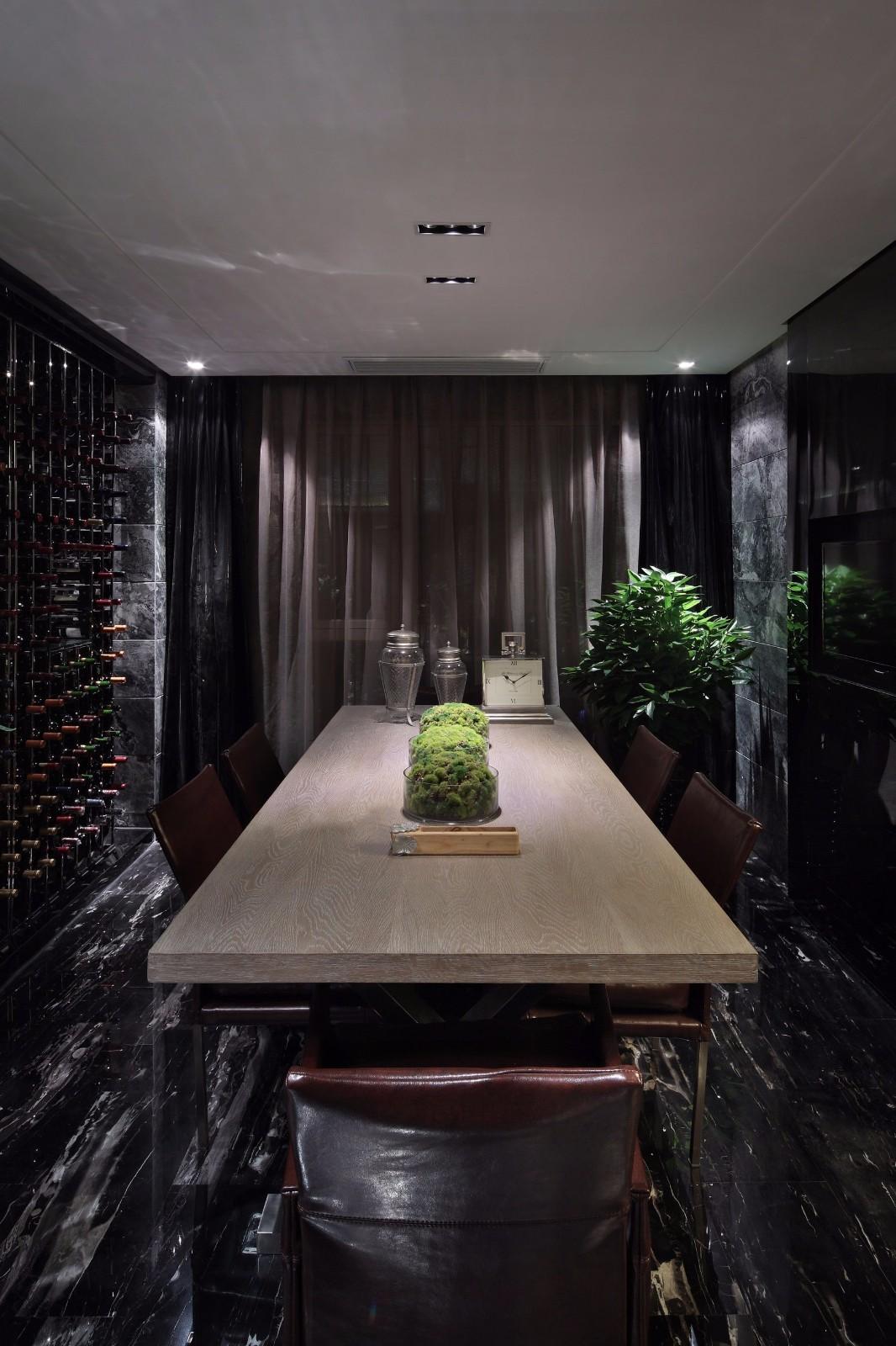 黑色调后现代风格餐厅装修效果图