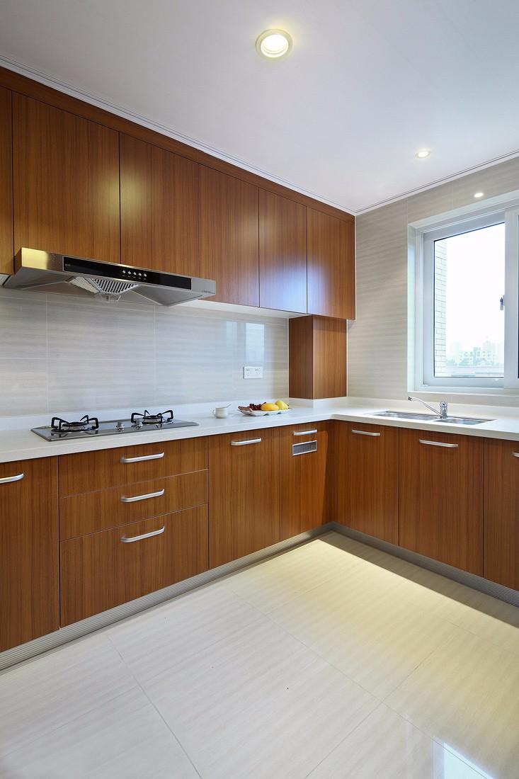 130平米三居室厨房装修效果图