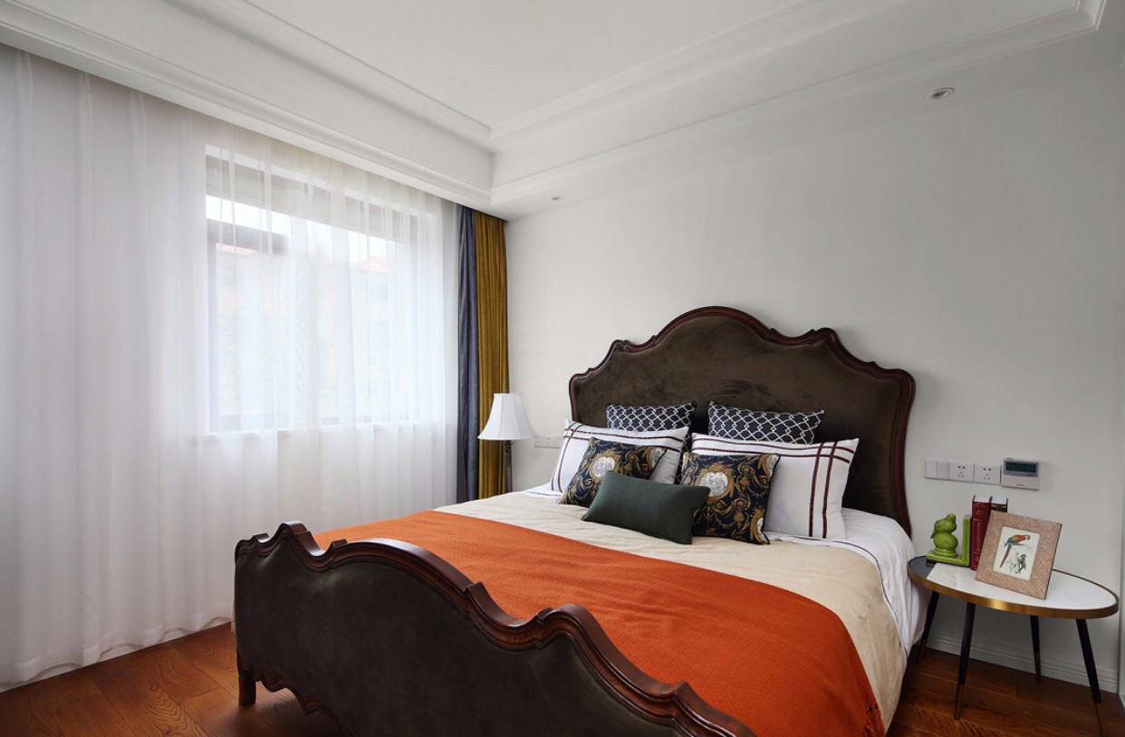 105平米美式风格卧室装修效果图