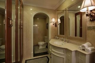 欧美风情别墅卫生间装修设计效果图