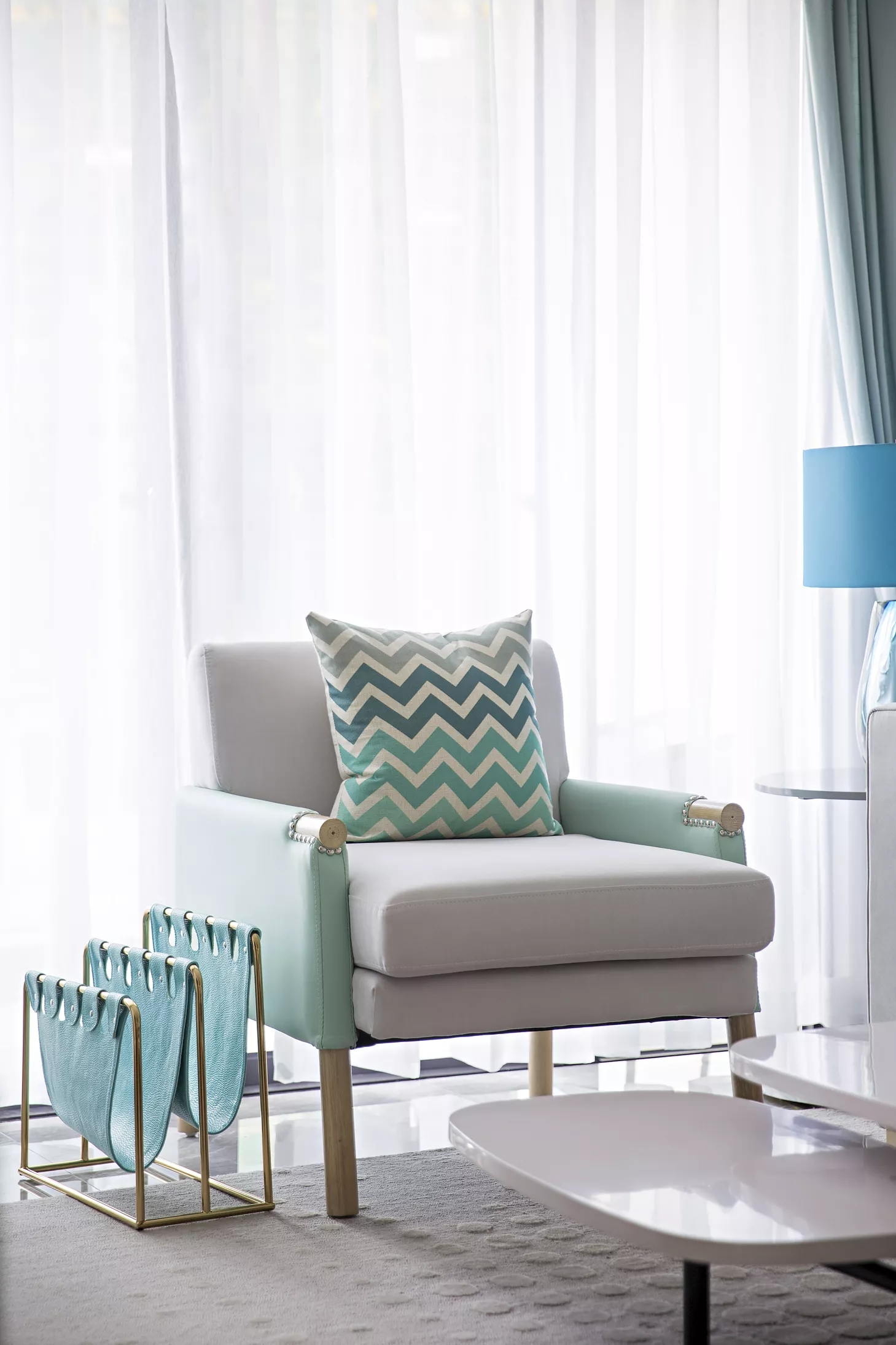 120平混搭三居室装修单人沙发设计图