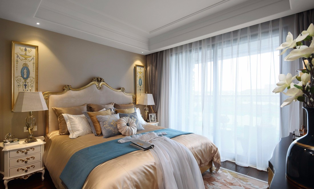 130平法式风格卧室装修效果图