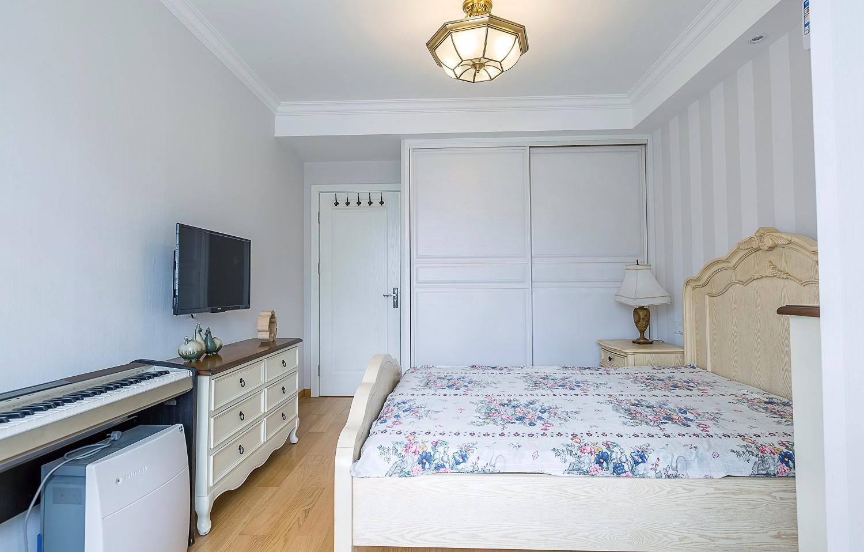 小户型两居室装修卧室设计图