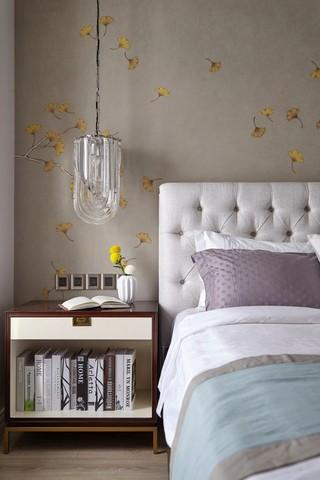 美式三居卧室背景墙装修效果图