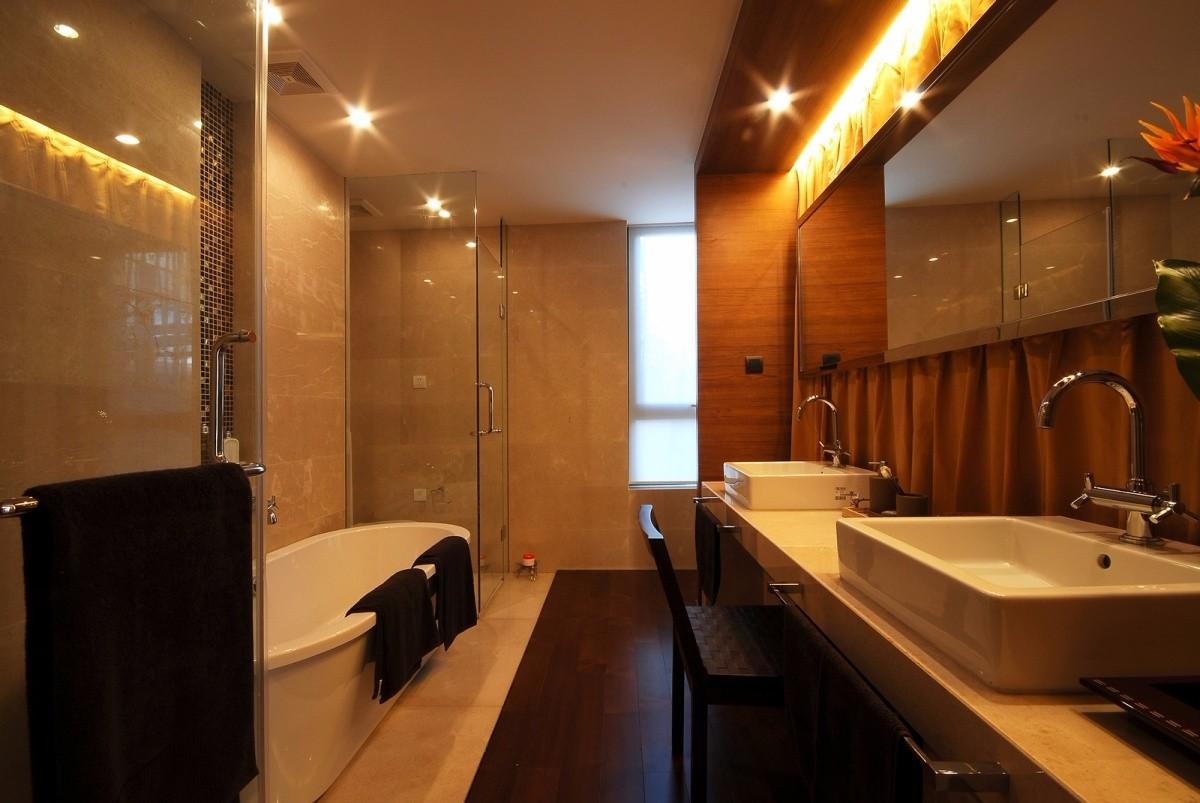 古典风格三居室卫生间装修效果图