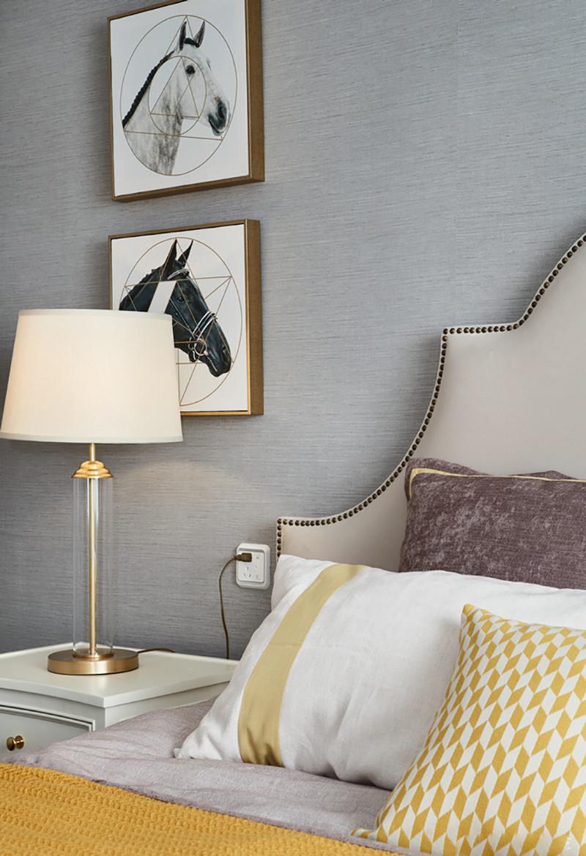 三居室美式风格装修床头一角