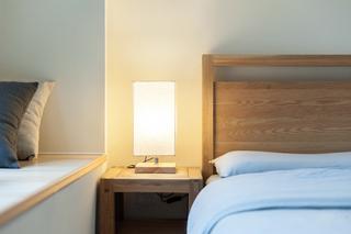 日式风格两居室装修台灯设计图