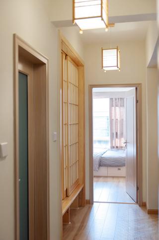 日式风格两居室装修过道设计图