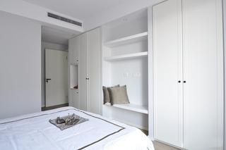 110平现代简约两居装修衣柜效果图