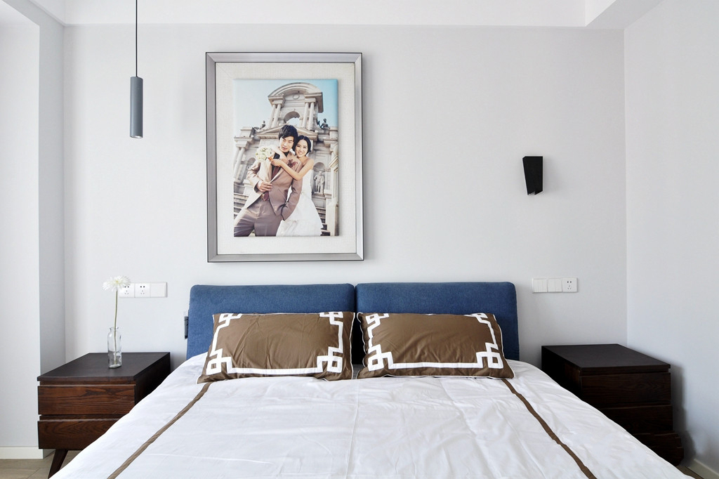 110平现代简约两居卧室装修效果图