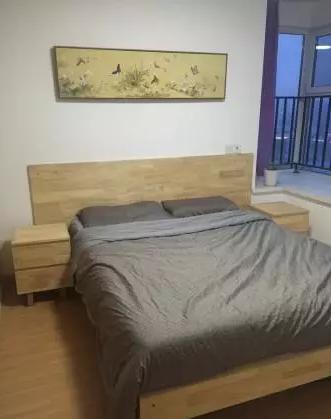 80后老公没拥有钱装修,己己己买进绵软木做家具,做完壹看顺手艺真不错!
