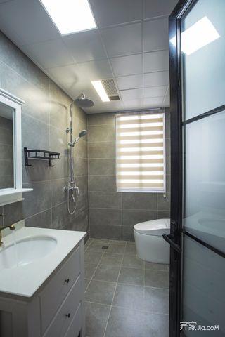 简约北欧三居室卫生间装修效果图