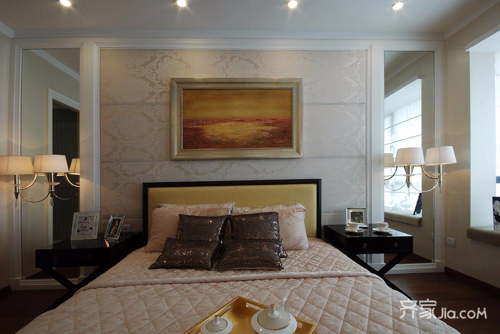 欧式风格三居床头背景墙装修效果图
