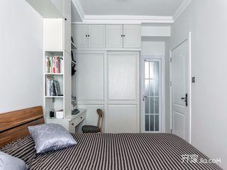 95平北欧风三居装修衣柜设计图