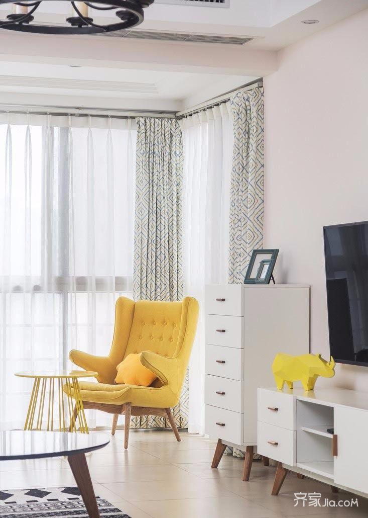 简约风格两居装修客厅休闲一角