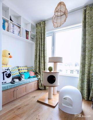 小户型北欧二居室装修阳台布置图