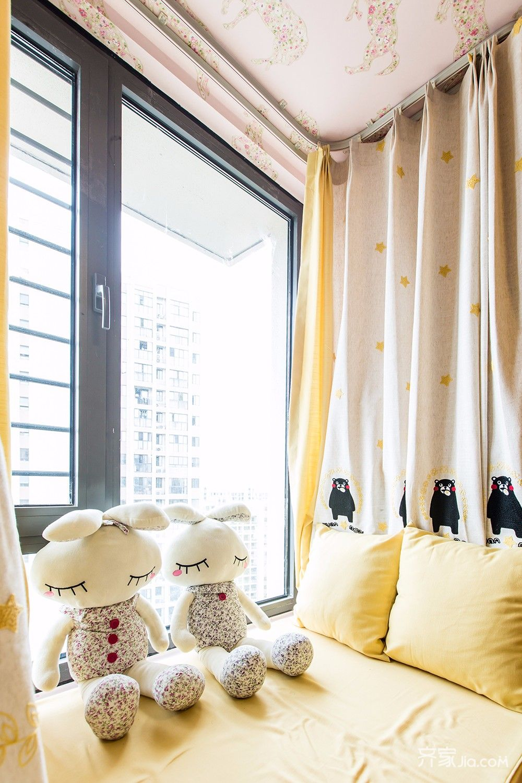 120平现代简约二居装修飘窗设计图