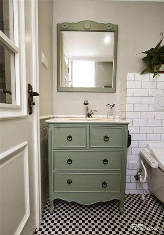 130㎡简约风格三居装修浴室柜效果图