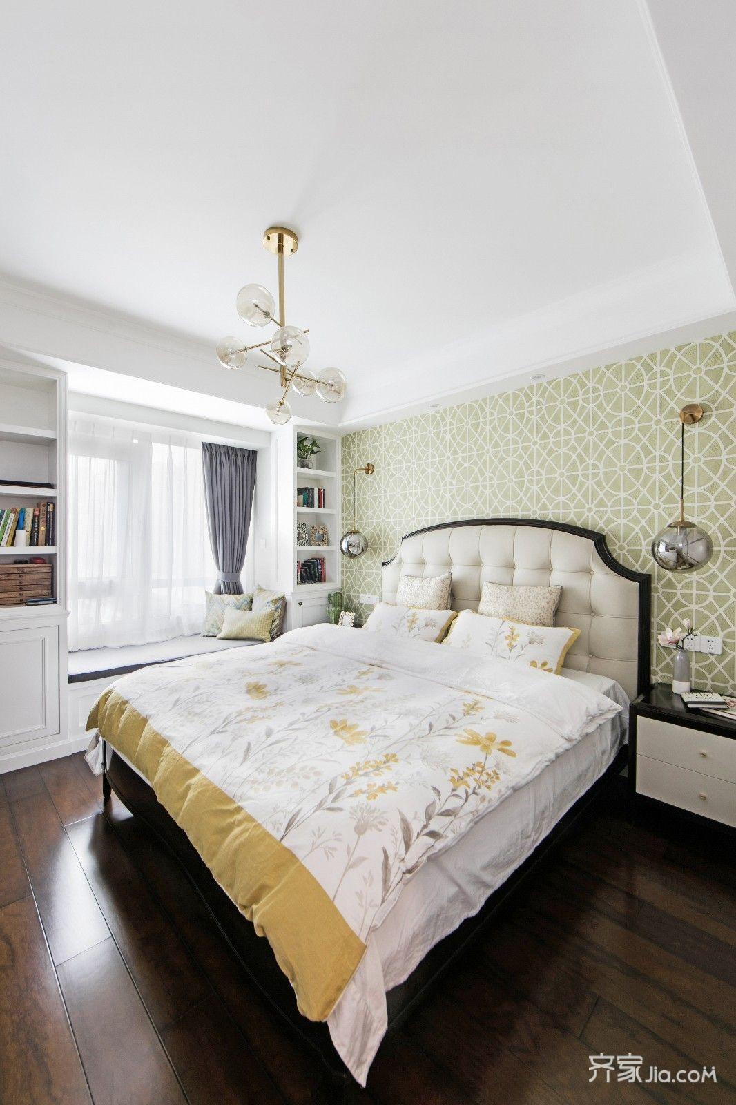 轻奢美式风三居卧室装修设计图