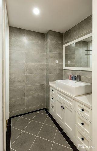 小户型简约原木风装修浴室柜设计图