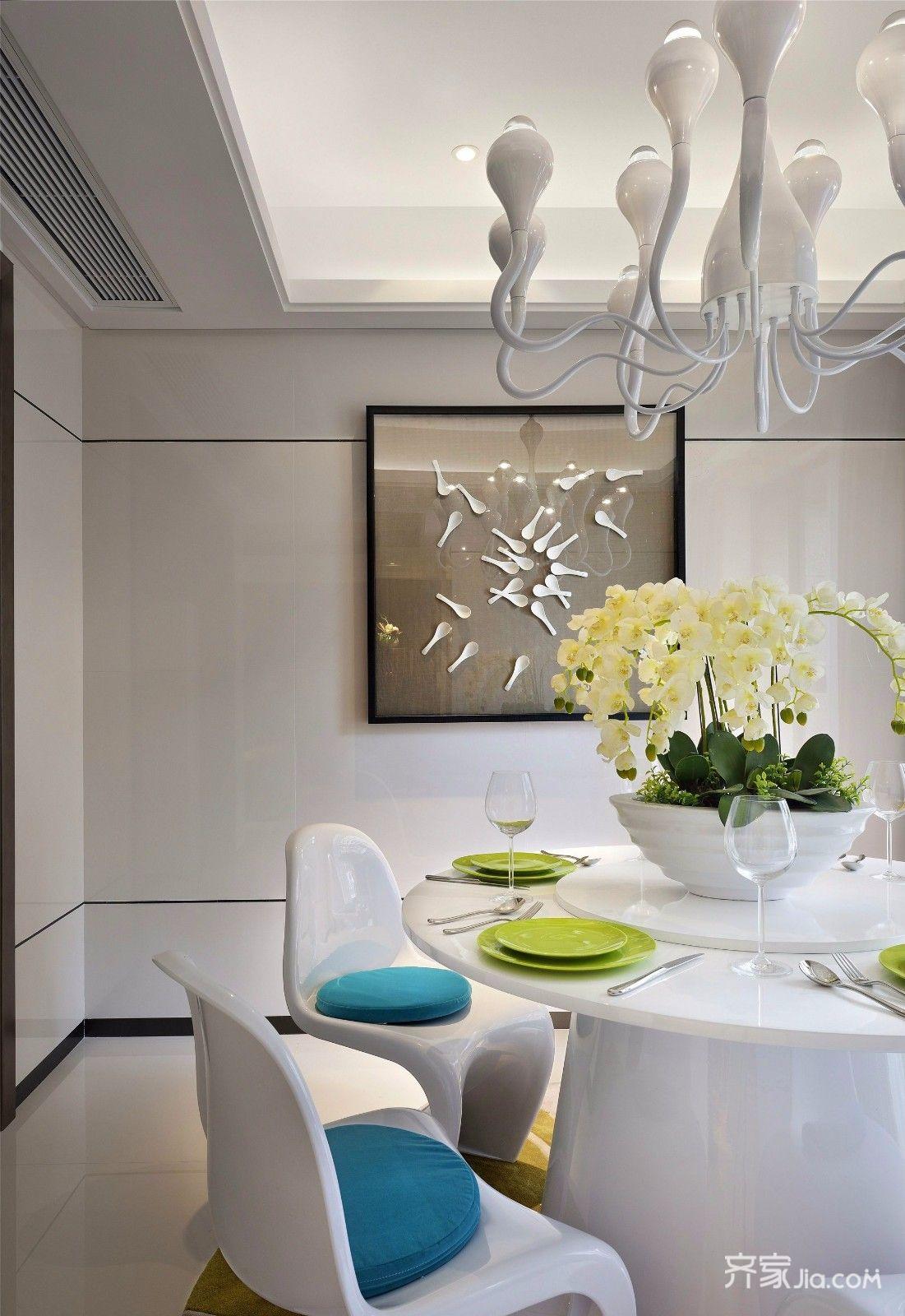 150平现代时尚三居装修餐桌椅设计图
