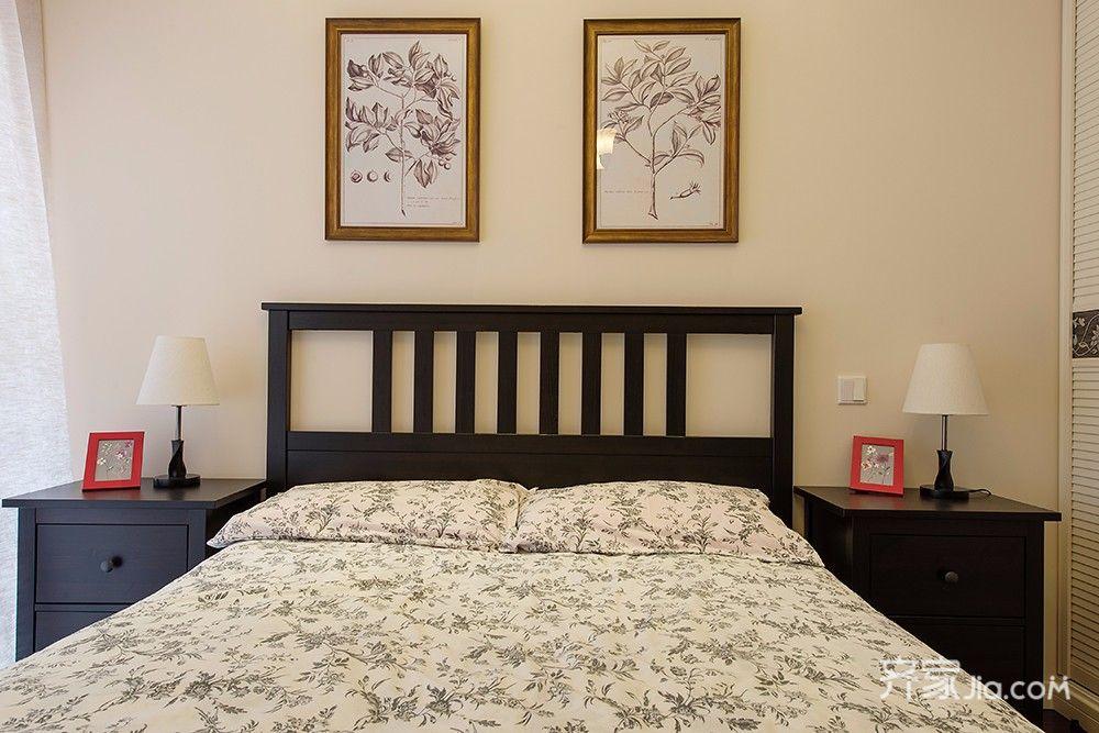96平美式风格二居装修床头柜设计图