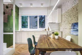 北欧风两居小复式装修厨餐厅效果图