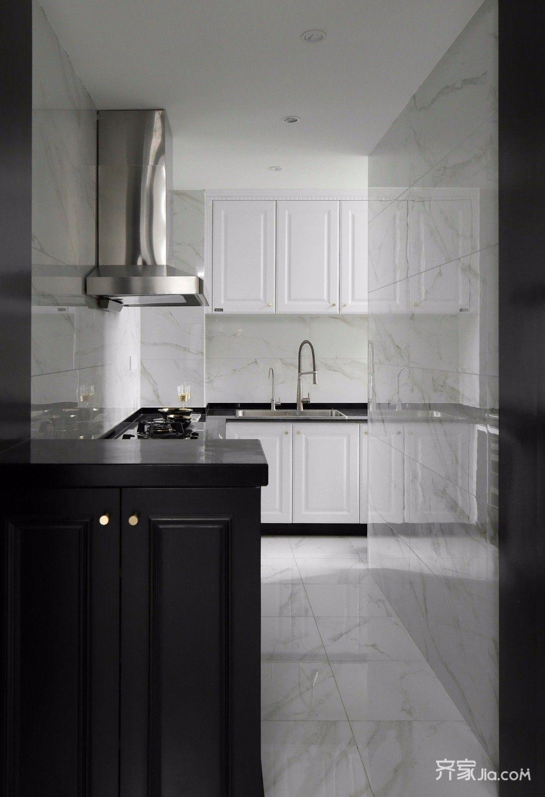现代轻奢黑白经典风厨房装修效果图