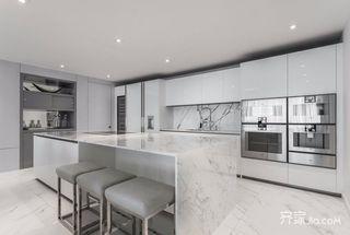 135平现代简约三居厨房装修效果图