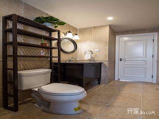 128平美式三居装修卫生间搭配图
