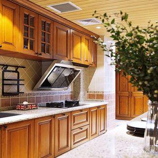 130平法式风格厨房装修效果图