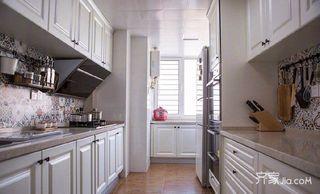 105平美式三居室装修厨房布局图