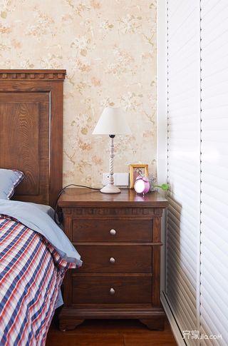 112平米美式三居装修床头柜设计图