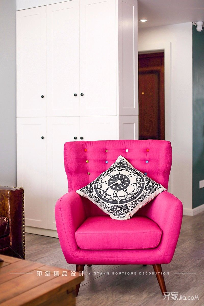 简约复式三居装修老虎椅设计图
