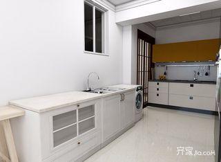 88平简约风格三居装修橱柜设计效果图