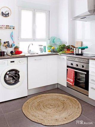 90平简约三居装修厨房布局图