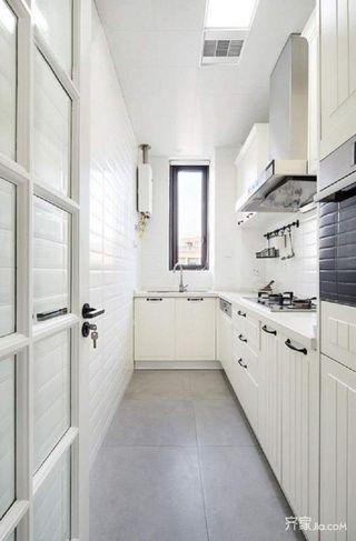 混搭三居室装修厨房布局图